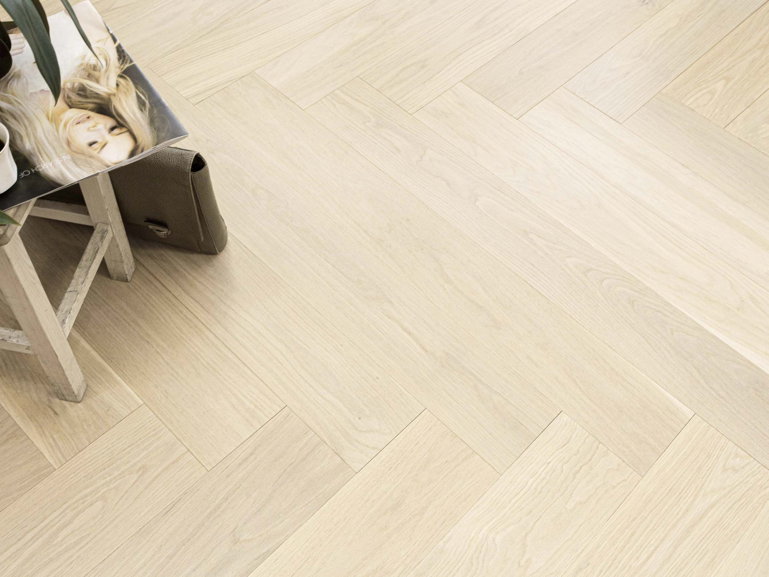 Oak Herringbone AB Pure Line 4B Brushed Gloss 5%